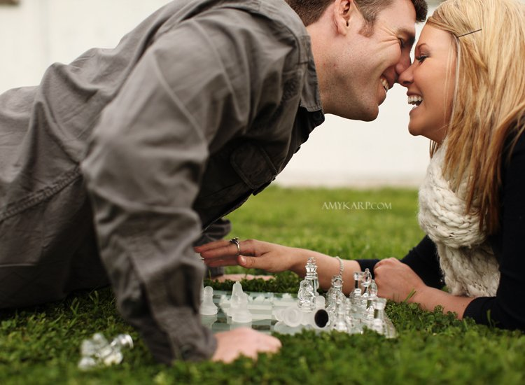 horse and chess engagement session (3)