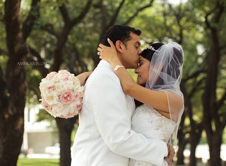 dallas wedding photographer at old red museum with jeannette and kenny (11)