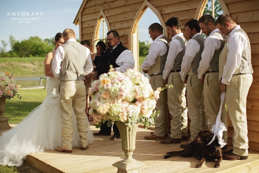 dallas-wedding-photographer-longhorn-ranch-wedding-041