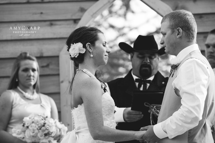 dallas-wedding-photographer-longhorn-ranch-wedding-049
