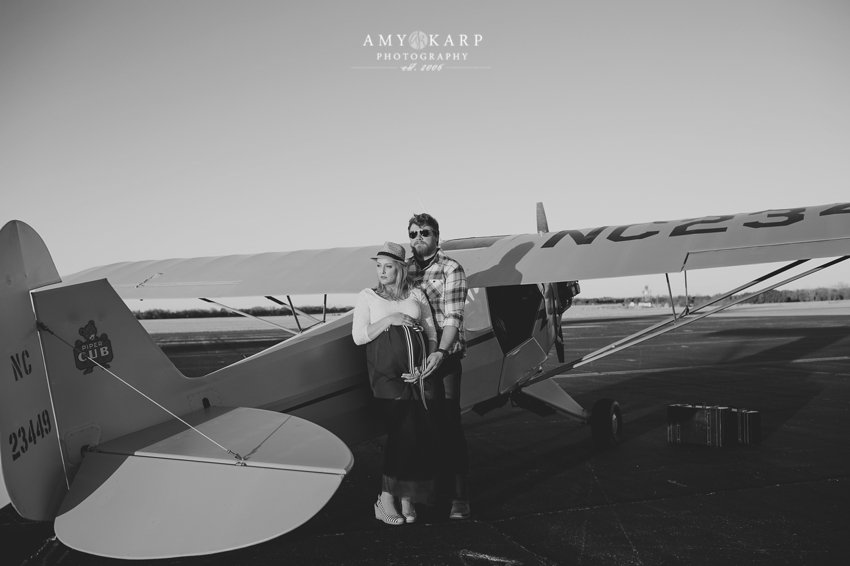 dallas-family-photographer-maternity-portraits-with-a-plane-kelley-matt-006