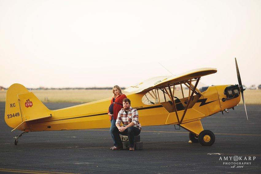 dallas-family-photographer-maternity-portraits-with-a-plane-kelley-matt-008