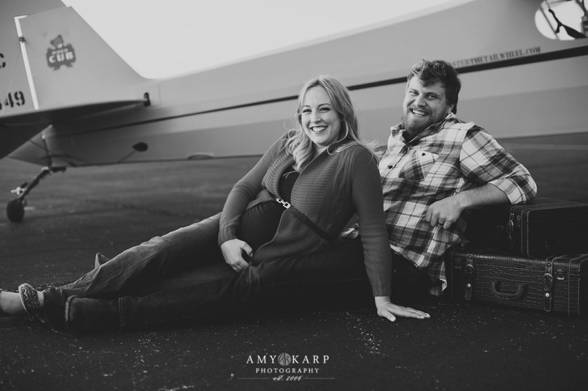 dallas-family-photographer-maternity-portraits-with-a-plane-kelley-matt-011