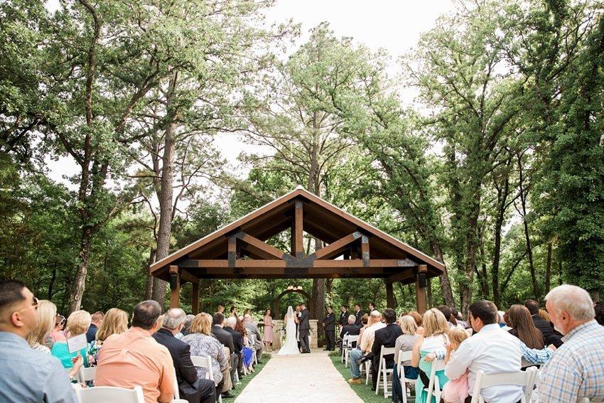 dallas-wedding-photographer-poetry-springs-amykarp-lauren-ryan-23