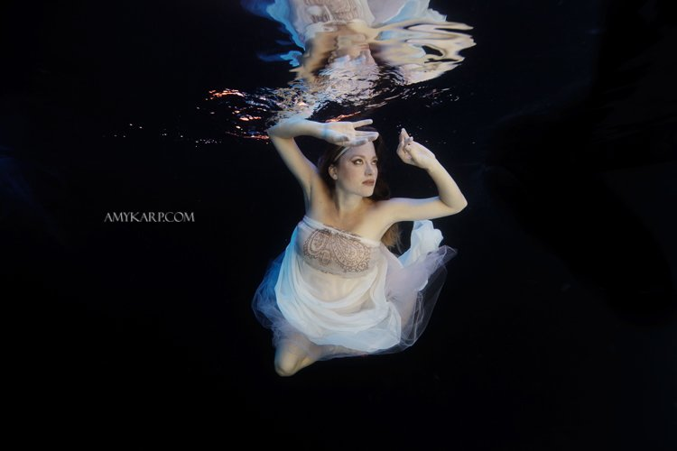 Dallas wedding photographer amy karp ardens underwater maternity portraits pt2