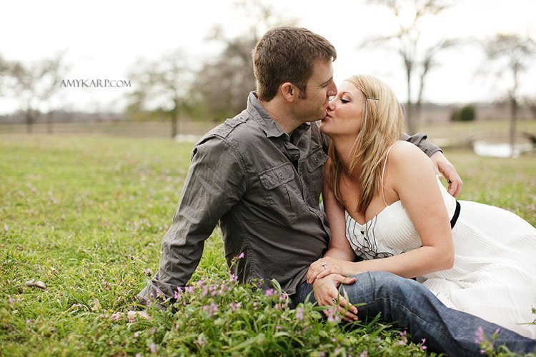 olivia and bobby's farm engagement session with a horse and chess set in ennis texas by dallas wedding photographer amy karp (24)