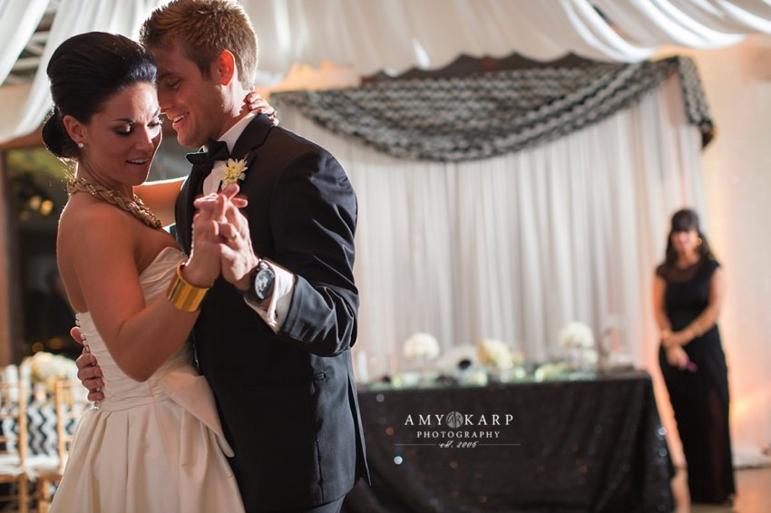 dallas-wedding-photographer-rayven-alex-city-place-051