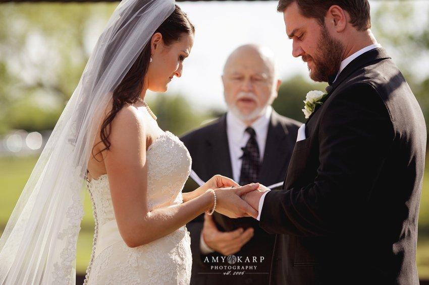 dallas-wedding-photographer-outdoor-wedding-kara-danny-020