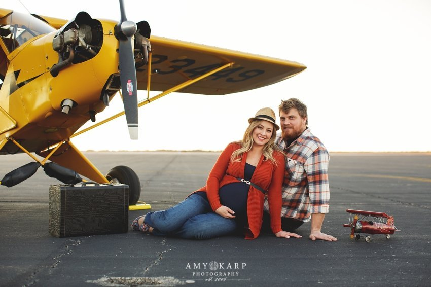 dallas-family-photographer-maternity-portraits-with-a-plane-kelley-matt-010