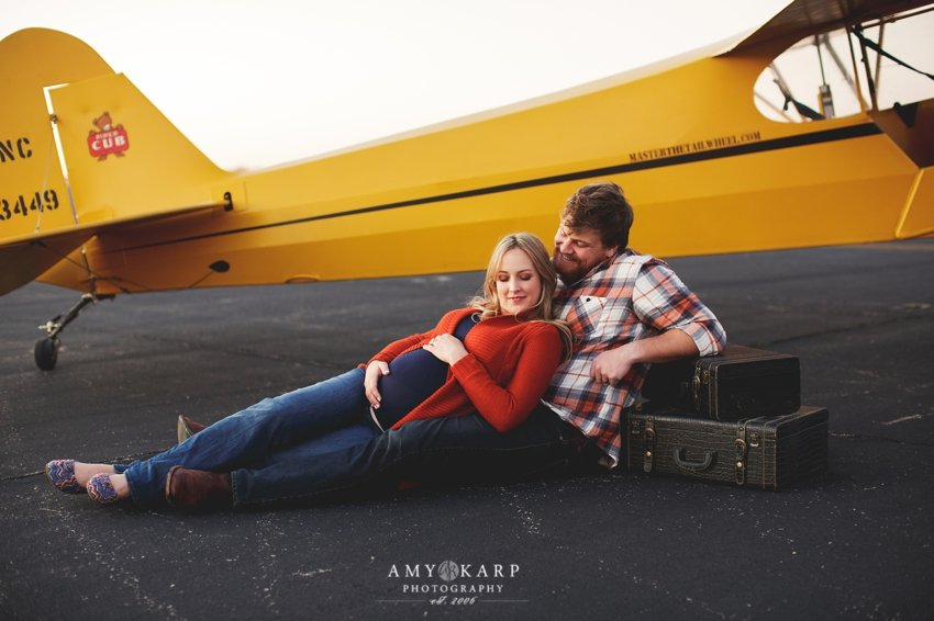 dallas-family-photographer-maternity-portraits-with-a-plane-kelley-matt-013