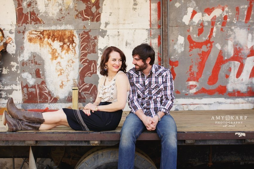 dallas-wedding-photographer-truck-yard-engagement-session-jill-chad-09