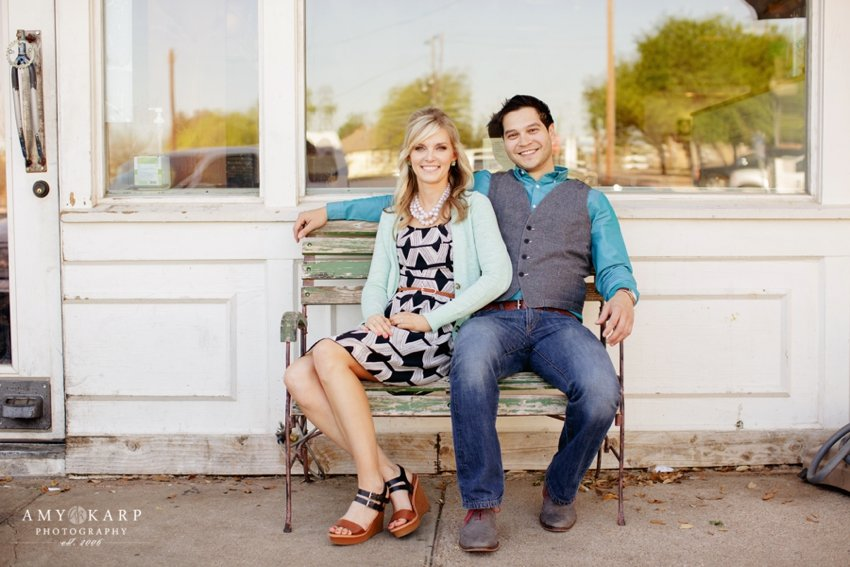 dallas-wedding-photographer-bishop-arts-engagement-session-jessica-daniel-03